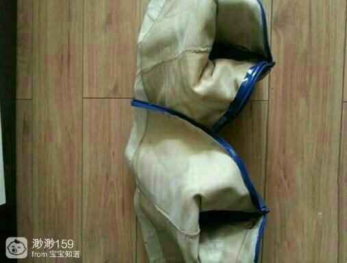 女生被脱鞋摸脚_女生做志愿者,训练时被要求统一穿靴子,脱下靴子脚很臭 ...